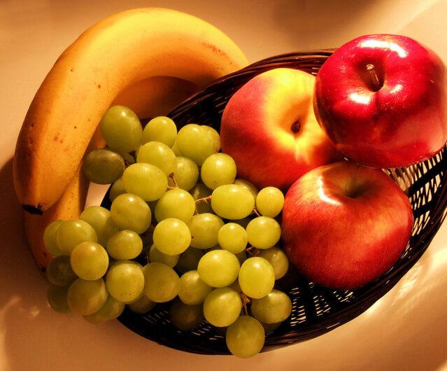 fruit-in-basket-1324317-639x529