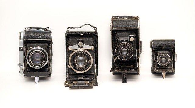cameras-2165761_640